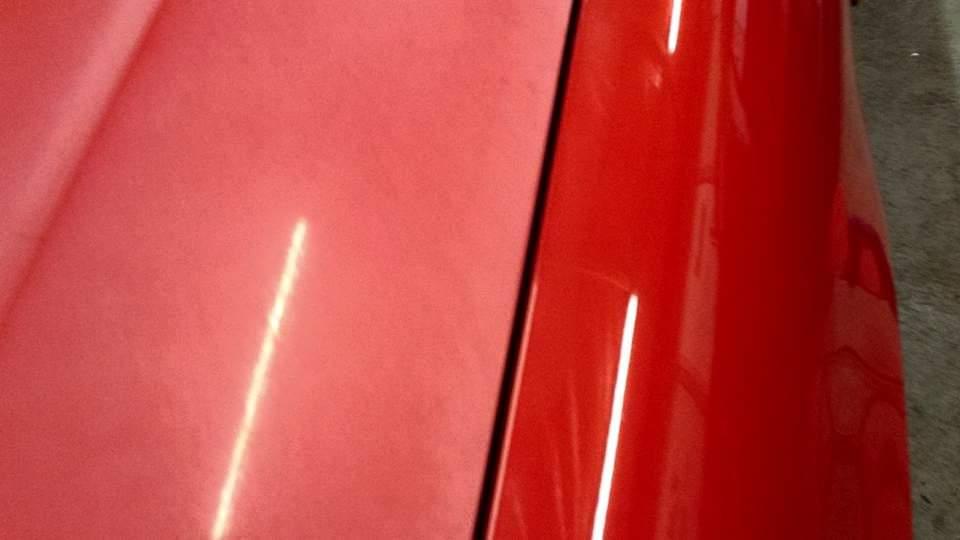 Rode auto polijsten